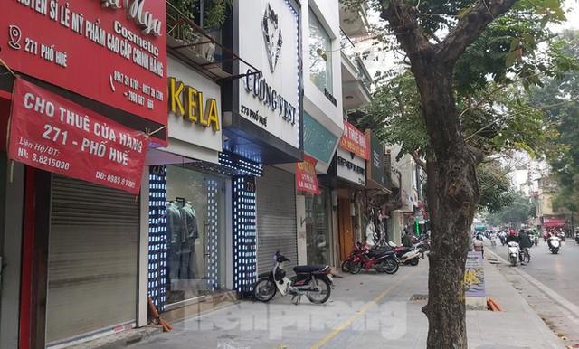 Hàng loạt khách sạn, cửa hàng Hà Nội treo biển cho thuê sau Tết - Ảnh 8.