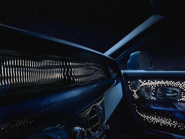 Rolls-Royce ra mắt bộ sưu tập Phantom Tempus với cả dải thiên hà huyền bí trong cabin - Ảnh 2.