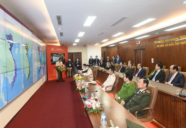 Thủ tướng Nguyễn Xuân Phúc: Bước tiến quan trọng hướng tới Chính phủ số - Ảnh 2.