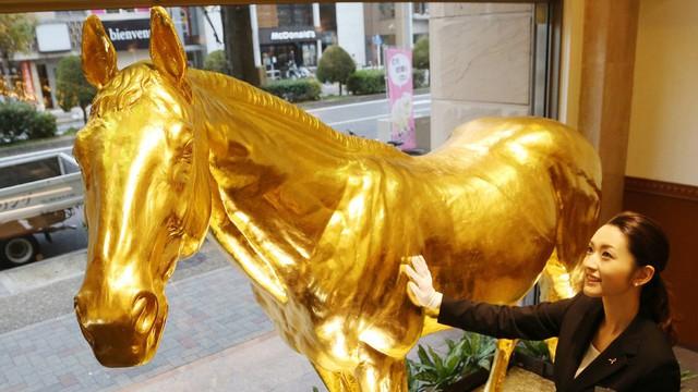 Giá vàng rớt xuống dưới ngưỡng quan trọng 1.800USD/ounce sau tuyên bố của Fed - Ảnh 1.