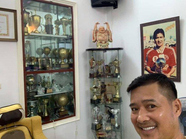 Huyền thoại Nguyễn Hồng Sơn nhận là tỷ phú với gia tài có 1-0-2 của bóng đá Việt - Ảnh 3.