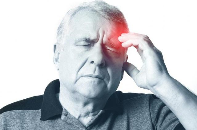 4 dấu hiệu sớm cảnh báo cơn đột quỵ sắp xảy ra: Người già hay trẻ đều nên cẩn thận - Ảnh 2.