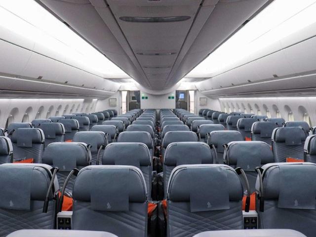 Bí mật ẩn sau 6 chiếc ghế luôn cháy vé của hãng hàng không Singapore Airlines - Ảnh 1.