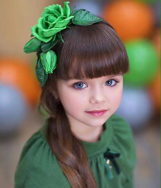Được mệnh danh là cô bé xinh đẹp nhất thế giới với đôi mắt xanh thẳm say đắm lòng người, siêu mẫu nhí đẹp không góc chết giờ ra sao? - Ảnh 10.