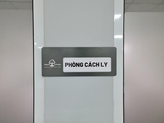 Đón học sinh trở lại, trường học ở Hà Nội trang bị phòng cách ly - Ảnh 12.