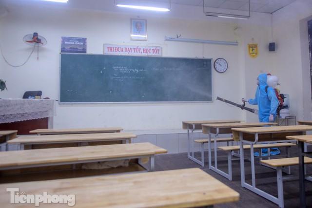 Đón học sinh trở lại, trường học ở Hà Nội trang bị phòng cách ly - Ảnh 21.
