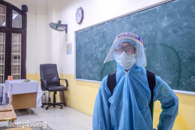 Đón học sinh trở lại, trường học ở Hà Nội trang bị phòng cách ly - Ảnh 24.
