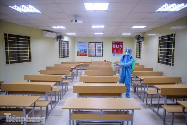 Đón học sinh trở lại, trường học ở Hà Nội trang bị phòng cách ly - Ảnh 28.