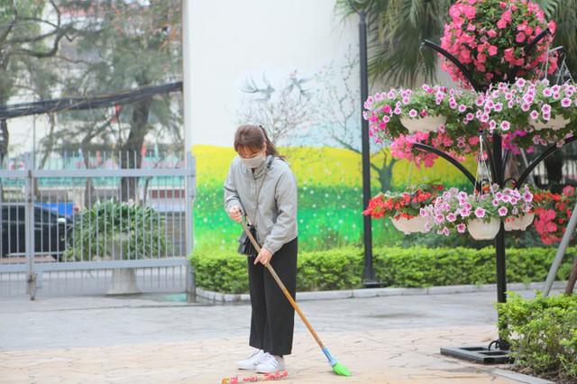 Đón học sinh trở lại, trường học ở Hà Nội trang bị phòng cách ly - Ảnh 5.