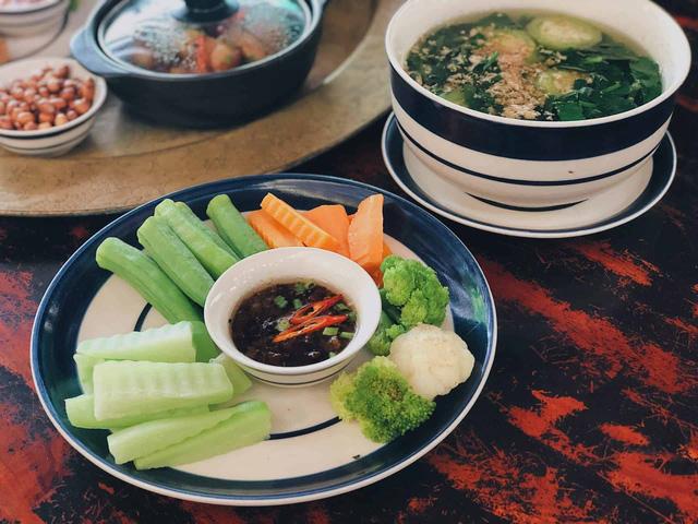 Giữa mùa dịch COVID-19: Mâm cơm gia đình cần có những thực phẩm này để gia cố hệ miễn dịch, chống lại virus, vi khuẩn hiệu quả - Ảnh 2.