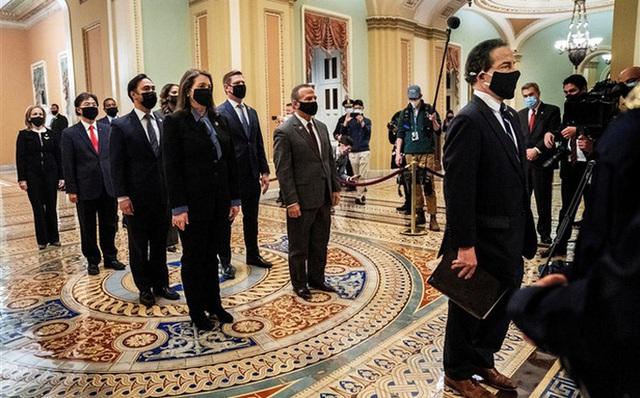 """Phiên tòa luận tội: Quan điểm """"lạ lùng"""" của đội ngũ ông Trump  - Ảnh 1."""