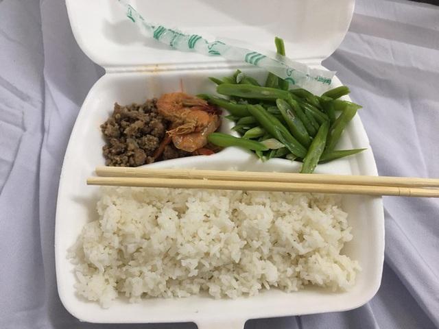 Nhật ký cách ly dễ thương của thanh niên Hạ Long: Xác định Tết xa nhà nhưng vẫn ổn, đồ ăn phần lớn rất bon mồm - Ảnh 6.