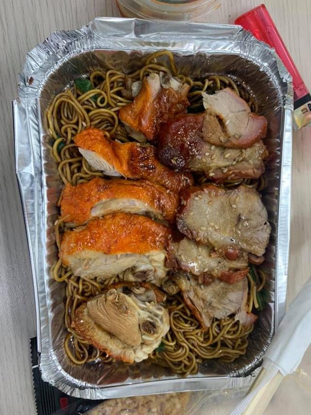 Những bữa ăn vội vã của dàn nghệ sĩ Táo Quân khiến người hâm mộ xót xa: Tất cả là vì món ăn tinh thần đêm 30 của cả nước! - Ảnh 4.