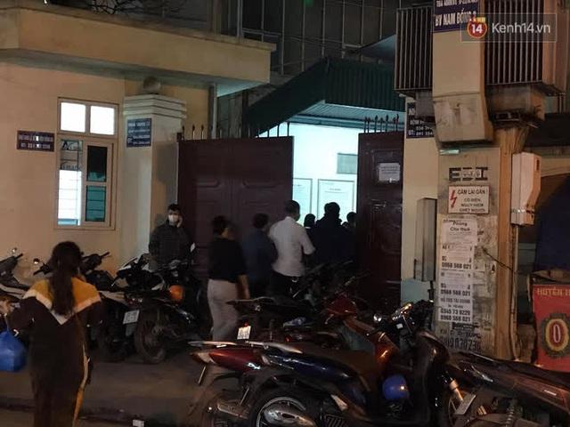 """Vụ cháy khiến 4 người tử vong ở Hà Nội, người thân chết lặng tại nhà tang lễ: """"Nhà nó chỉ có 2 anh em duy nhất thôi, ai ngờ giờ xảy ra cơ sự đau lòng như vậy"""" - Ảnh 4."""