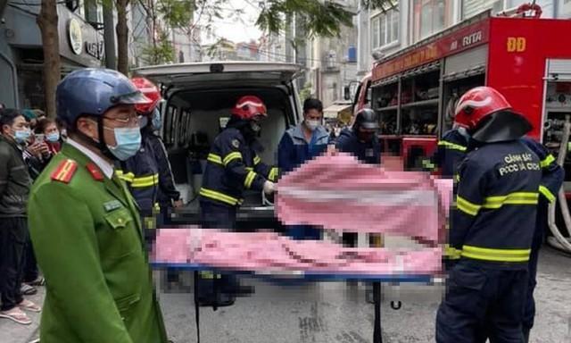 Cảnh sát phong tỏa con ngõ vụ hỏa hoạn 4 thanh niên tử vong - Ảnh 5.
