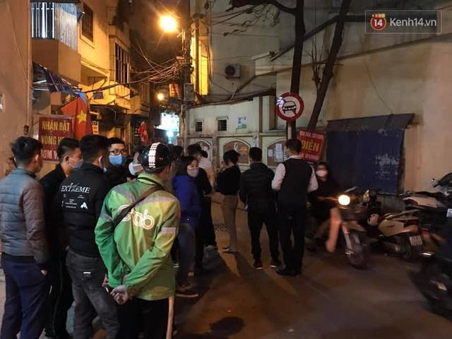 """Vụ cháy khiến 4 người tử vong ở Hà Nội, người thân chết lặng tại nhà tang lễ: """"Nhà nó chỉ có 2 anh em duy nhất thôi, ai ngờ giờ xảy ra cơ sự đau lòng như vậy"""" - Ảnh 5."""