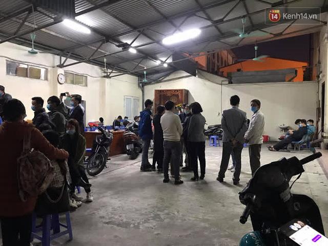 """Vụ cháy khiến 4 người tử vong ở Hà Nội, người thân chết lặng tại nhà tang lễ: """"Nhà nó chỉ có 2 anh em duy nhất thôi, ai ngờ giờ xảy ra cơ sự đau lòng như vậy"""" - Ảnh 8."""