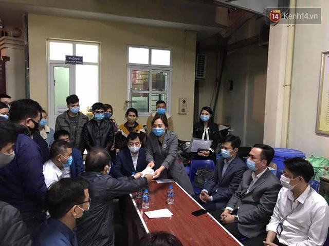 """Vụ cháy khiến 4 người tử vong ở Hà Nội, người thân chết lặng tại nhà tang lễ: """"Nhà nó chỉ có 2 anh em duy nhất thôi, ai ngờ giờ xảy ra cơ sự đau lòng như vậy"""" - Ảnh 10."""