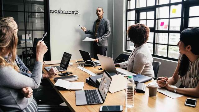 Cấm tiệt PowerPoint trong các cuộc họp, hành động kỳ quặc nhưng Jeff Bezos cho là điều thông minh nhất mình từng làm tại Amazon - Ảnh 3.