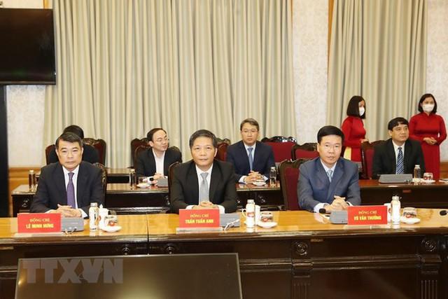 Ông Võ Văn Thưởng giữ chức Thường trực Ban Bí thư, ông Trần Tuấn Anh làm Trưởng Ban Kinh tế - Ảnh 1.