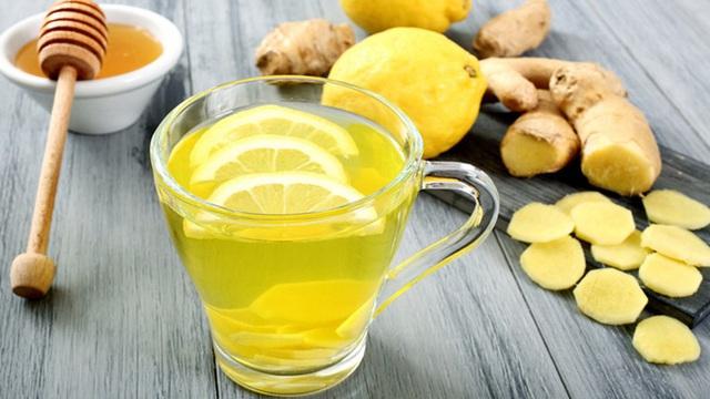 Uống nước chanh mỗi ngày rất tốt nhưng nếu có 5 dấu hiệu sau, phụ nữ nên bỏ ngay kẻo rước bệnh vào thân - Ảnh 1.
