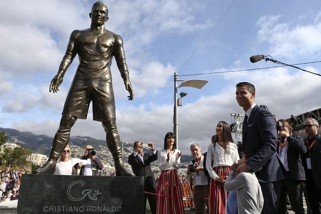 Ronaldo tuổi 36: Hành trình từ cậu bé nghèo đến triệu phú thể thao - Ảnh 18.