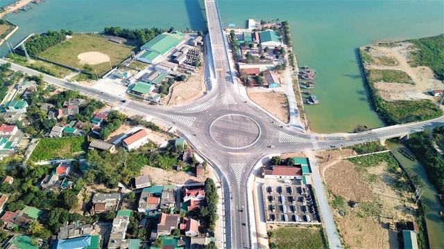 Cận cảnh cây cầu gần 1000 tỷ đồng đẹp nhất Nghệ An - Hà Tĩnh cho phép một số loại xe lưu thông dịp Tết - Ảnh 9.