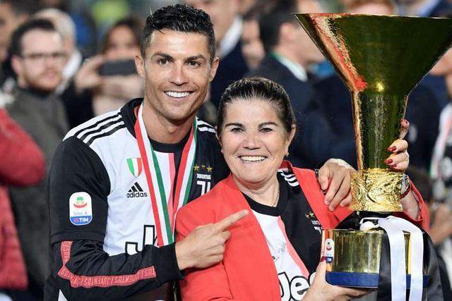 Ronaldo tuổi 36: Hành trình từ cậu bé nghèo đến triệu phú thể thao - Ảnh 9.