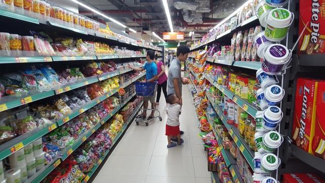 Các hoạt động kinh doanh, mua sắm Tết của người tiêu dùng giảm do dịch bệnh - Ảnh 1.
