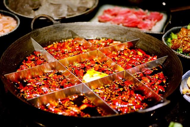 Chuyên gia tiết lộ lý do nên ăn ớt tươi, không nên lạm dụng bột ớt và ớt khô: Hậu quả có thể rất nghiêm trọng! - Ảnh 1.