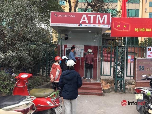 Cây ATM vắng khác thường ngày giáp Tết - Ảnh 11.