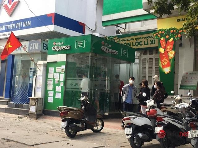 Cây ATM vắng khác thường ngày giáp Tết - Ảnh 10.