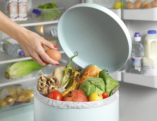 Đồ ăn trong Tết còn thừa nhưng không nỡ vứt đi, các mẹ nhớ bỏ túi các lưu ý sau để không ảnh hưởng sức khỏe gia đình - Ảnh 3.