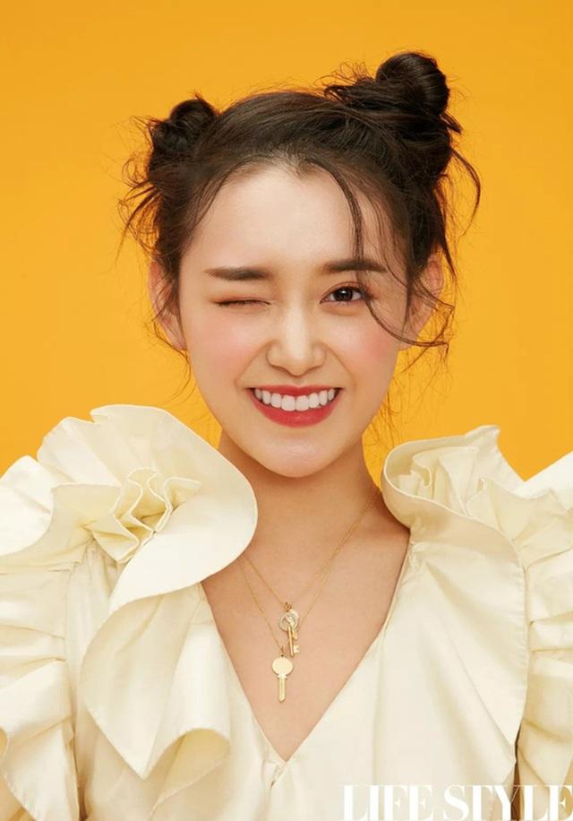 Cô nhóc nổi tiếng với gương mặt được coi tiểu thiên thần, 15 năm sau gây bão cả châu Á, thành tích học siêu khủng - Ảnh 6.