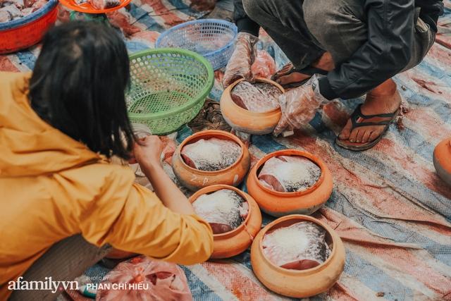 Tết đến! Người dân làng Vũ Đại tất bật bên nồi cá kho bạc triệu và bất ngờ về câu chuyện tìm người nắm giữ công thức trăm năm làm nên sự đình đám của một làng cá - Ảnh 5.