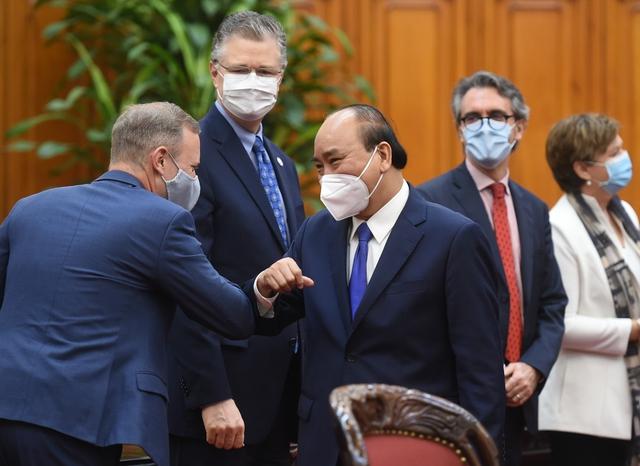 Thủ tướng Nguyễn Xuân Phúc: Việt Nam mong muốn sớm nhận được vaccine của Chương trình COVAX - Ảnh 1.