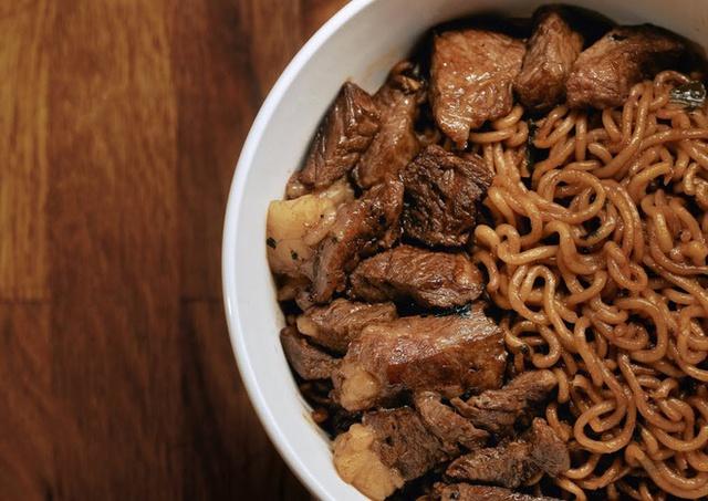 Tết Điều đặc việt về món thịt bò đắt hơn cả Wagyu và tiềm năng trở thành đỉnh cao ẩm thức omasake Hàn Quốc: Vì sao đây là món ăn chỉ dành cho giới siêu giàu? - Ảnh 2.