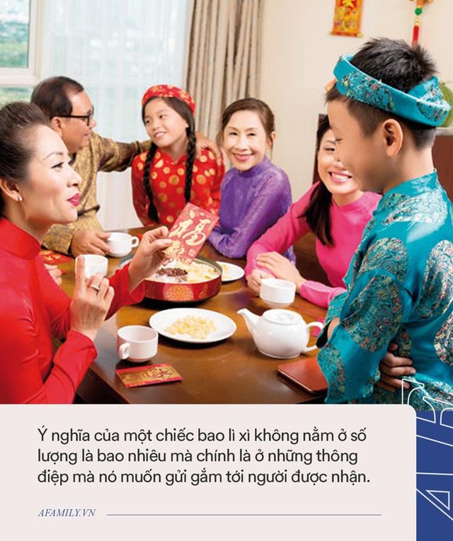 Tết đến nơi, bố mẹ cần dạy con 1 điều không được làm khi nhận lì xì: Nếu phạm phải thì cả khách, cả chủ đều khó xử - Ảnh 3.