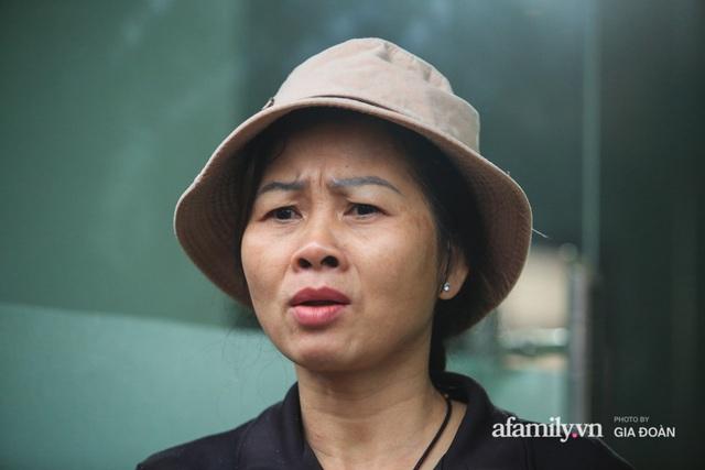 Mẹ siêu nhân đời thực cứu bé gái rơi từ tầng 12 chung cư ở Hà Nội bật khóc xem lại khoảnh khắc con trai làm nên điều kỳ diệu - Ảnh 2.