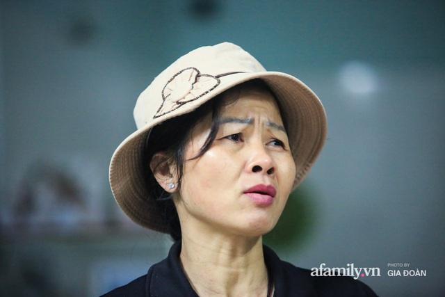 Mẹ siêu nhân đời thực cứu bé gái rơi từ tầng 12 chung cư ở Hà Nội bật khóc xem lại khoảnh khắc con trai làm nên điều kỳ diệu - Ảnh 3.