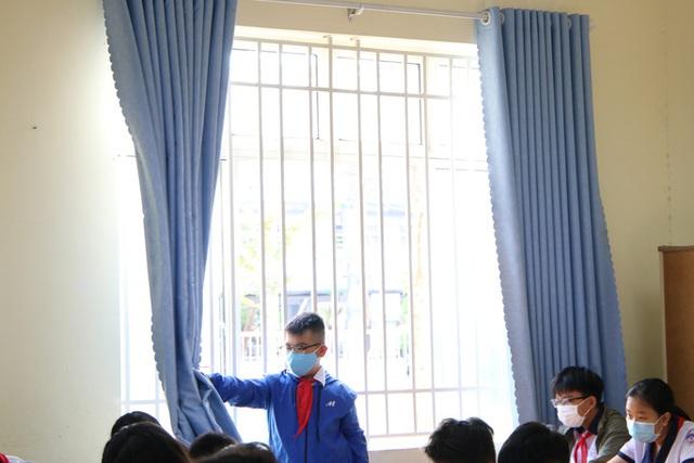 Hình ảnh học sinh TP HCM trở lại trường sau kỳ nghỉ dài  - Ảnh 7.