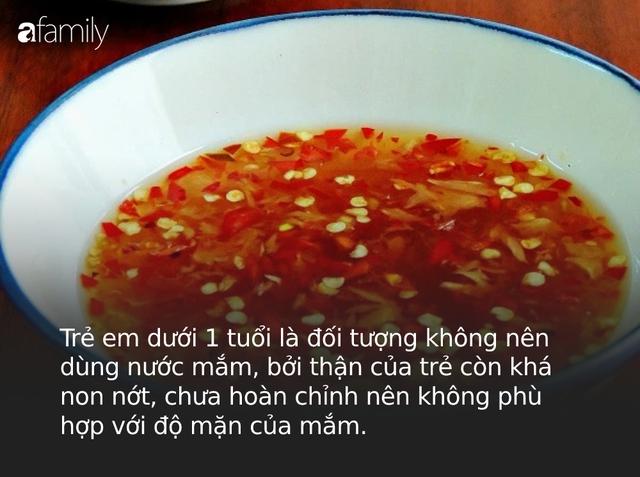 Những sai lầm khi sử dụng nước mắm mà người Việt cần bỏ ngay kẻo vô tình khiến chúng mất dinh dưỡng, thậm chí gây hại sức khỏe - Ảnh 1.