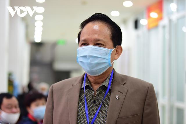 Nhiều người nhận hồ sơ tự ứng cử đại biểu Quốc hội tại Hà Nội  - Ảnh 2.