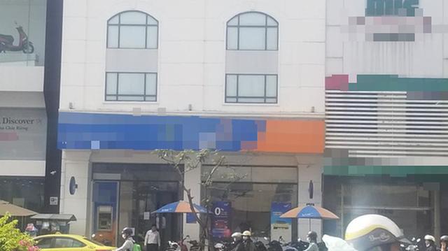 Một nhân viên ngân hàng bị tố chiếm dụng 800 triệu đồng tiền vay  - Ảnh 1.
