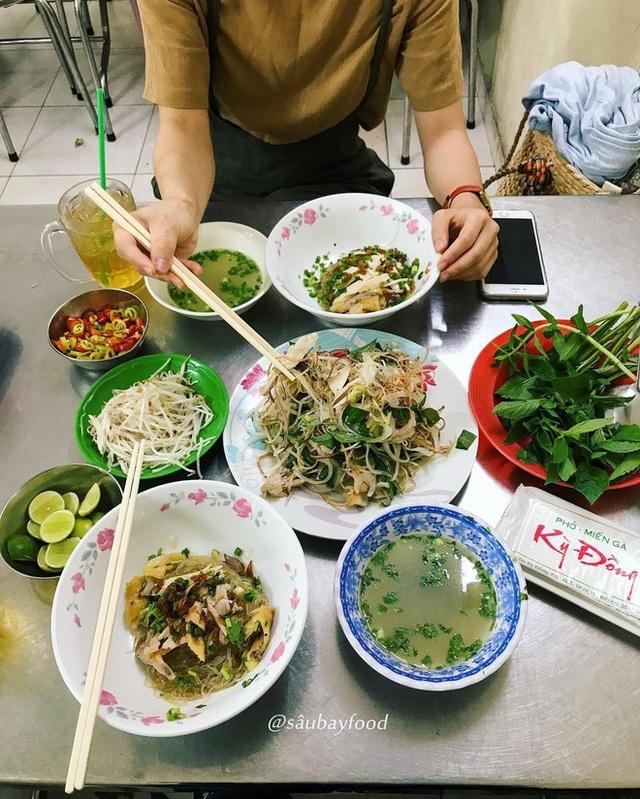 4 quán ăn núp hẻm có tuổi đời sương sương vài thập kỷ ở Sài Gòn: Ngon nức tiếng và chưa khi nào ngơi khách - Ảnh 1.