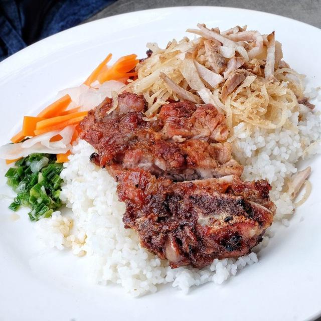 4 quán ăn núp hẻm có tuổi đời sương sương vài thập kỷ ở Sài Gòn: Ngon nức tiếng và chưa khi nào ngơi khách - Ảnh 13.