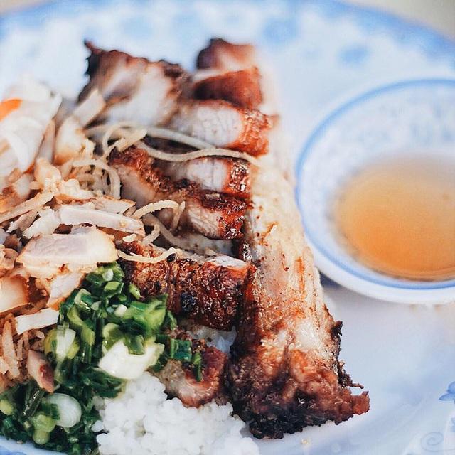 4 quán ăn núp hẻm có tuổi đời sương sương vài thập kỷ ở Sài Gòn: Ngon nức tiếng và chưa khi nào ngơi khách - Ảnh 14.