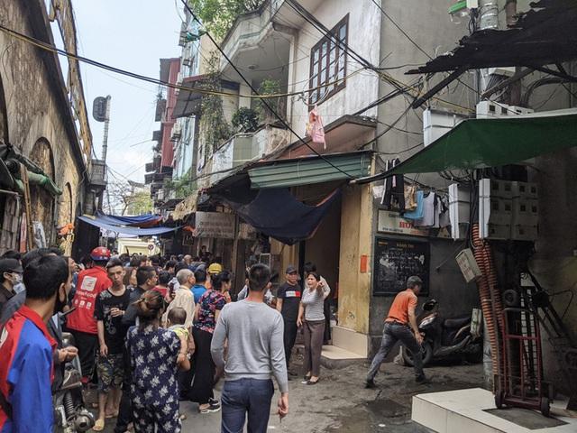 CLIP: Cháy lớn trong phố cổ, cả khu phố náo loạn  - Ảnh 5.