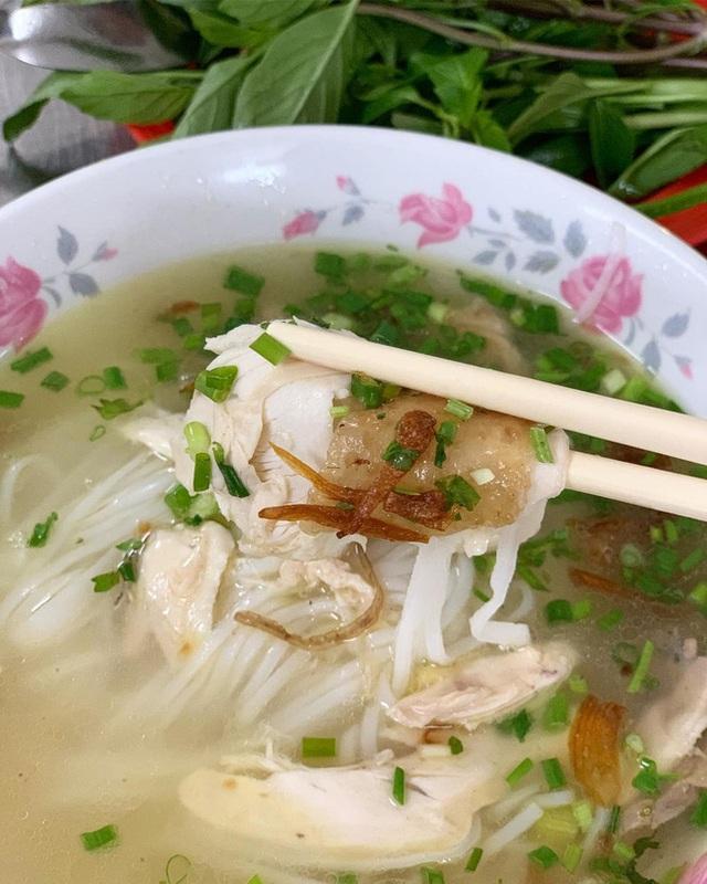 4 quán ăn núp hẻm có tuổi đời sương sương vài thập kỷ ở Sài Gòn: Ngon nức tiếng và chưa khi nào ngơi khách - Ảnh 4.