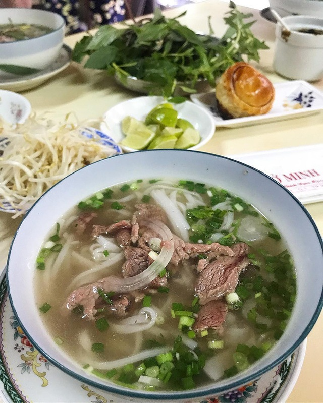 4 quán ăn núp hẻm có tuổi đời sương sương vài thập kỷ ở Sài Gòn: Ngon nức tiếng và chưa khi nào ngơi khách - Ảnh 6.